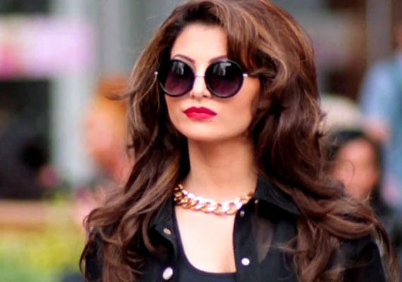 Yo Yo Honey Singh's 'Love Dose' For Urvashi Rautela (view Pics)