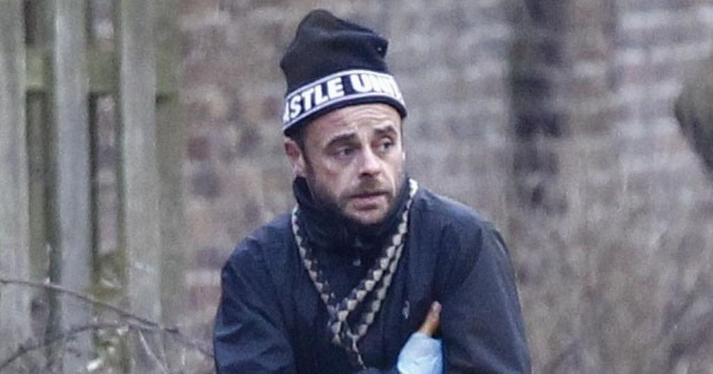 Ant McPartlin Cuts Glum Figure As He Spends Weekend With His Mum