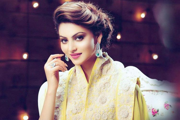 Urvashi Rautela Age, Height, Boyfriend, Mother And Biography
