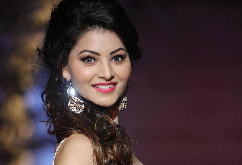 Urvashi Rautela Height, Weight, Age, Affairs, Biography & More