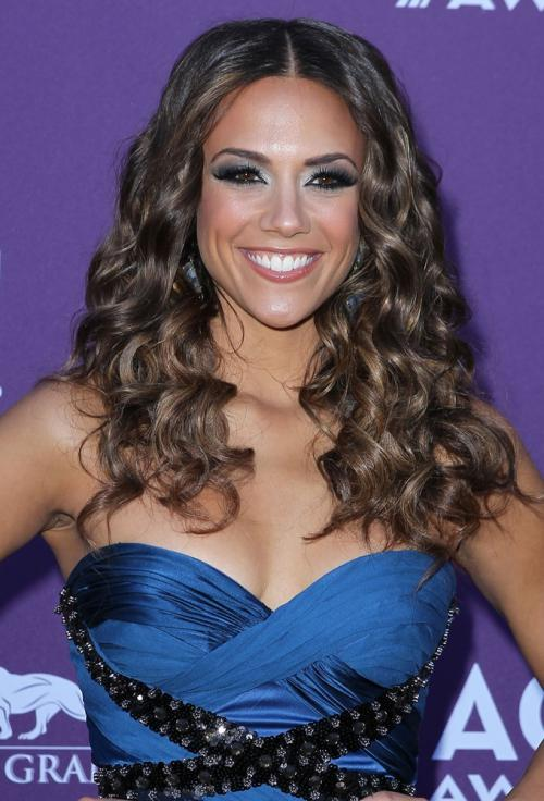 Jana KramerProfile, Photos, News and Bio
