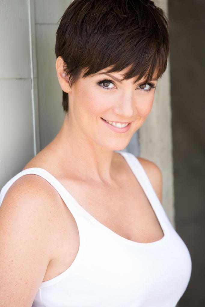 Zoe McLellanProfile, Photos, News and Bio