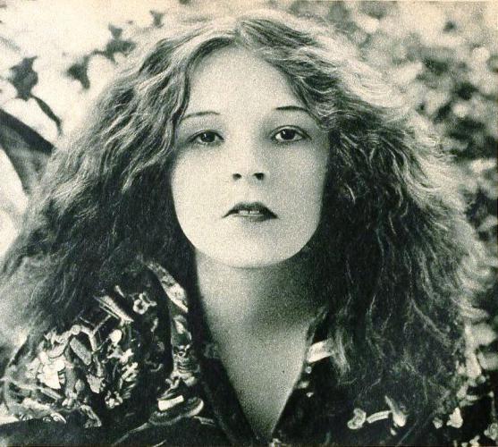Kay Laurel
