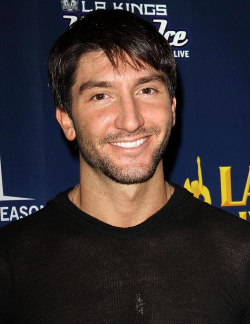 evan lysacek dating Just last week, the designer and her husband of 23 years, arthur becker, announced their separation now sources say she is dating figure skater evan lysacek, 27, who moved into her beverly.