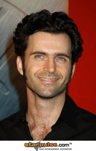Dweezil ZappaProfile, Photos, News and Bio