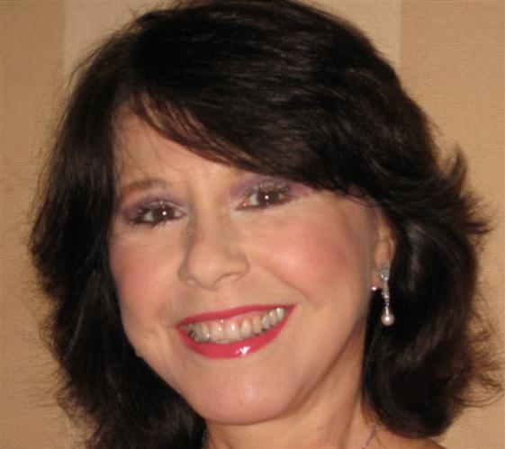 Elaine GiftosProfile, Photos, News and Bio