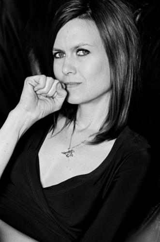 Juliana HatfieldProfile, Photos, News and Bio