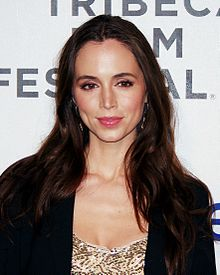 Eliza DushkuProfile, Photos, News and Bio