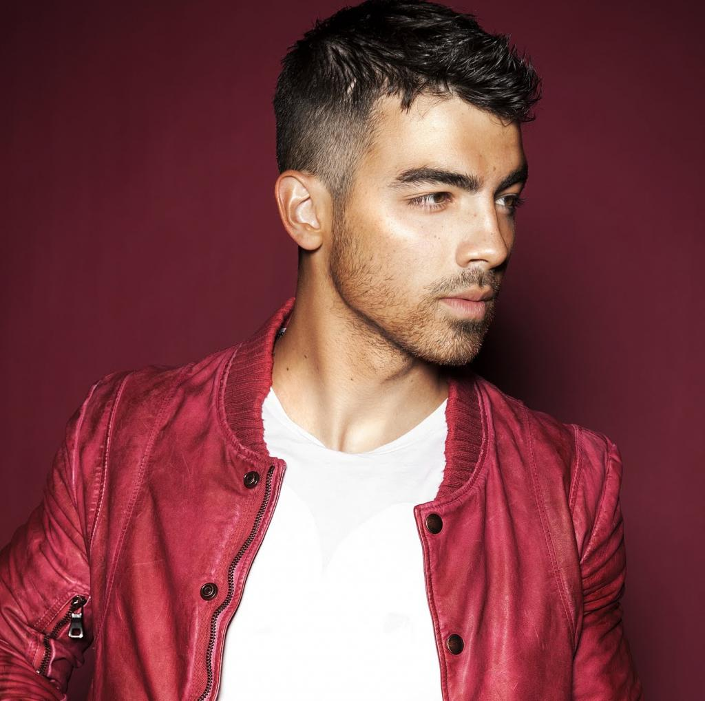 Joe JonasProfile, Photos, News and Bio