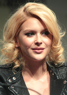Renee OlsteadProfile, Photos, News and Bio