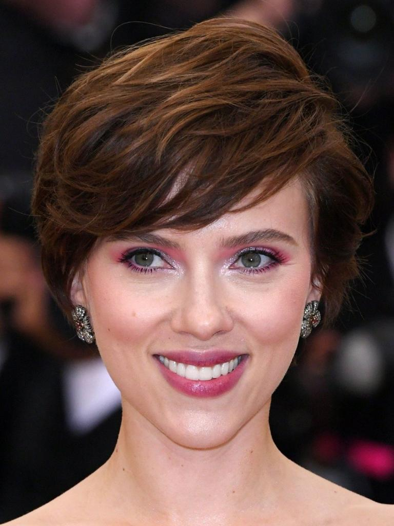 Scarlett JohanssonProfile, Photos, News and Bio