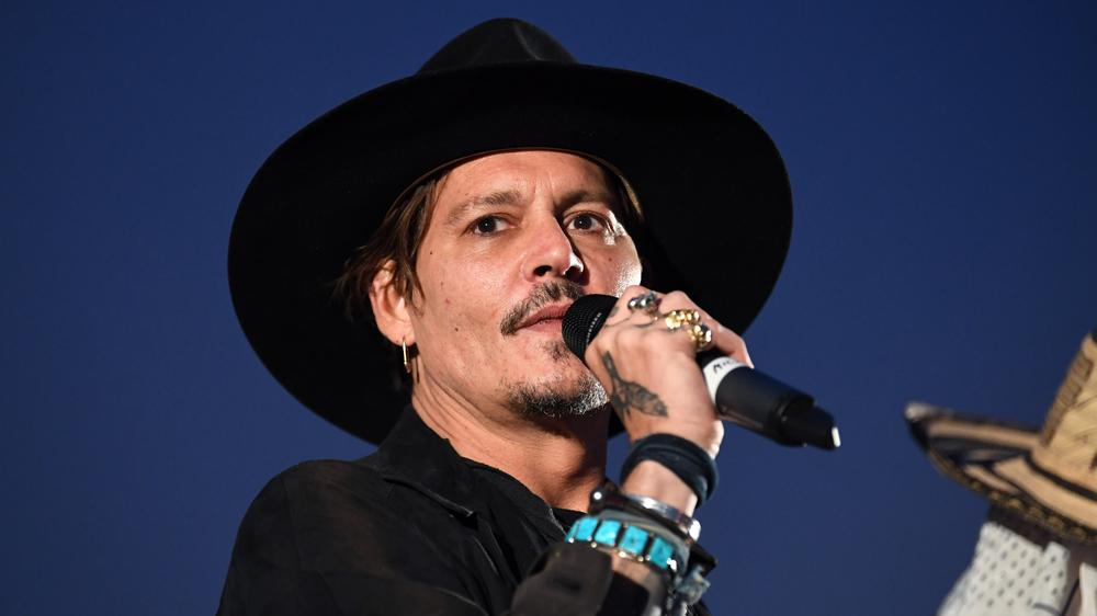 Johnny Depp       's Spending Habits Dismissed From Management Company       's Lawsuit