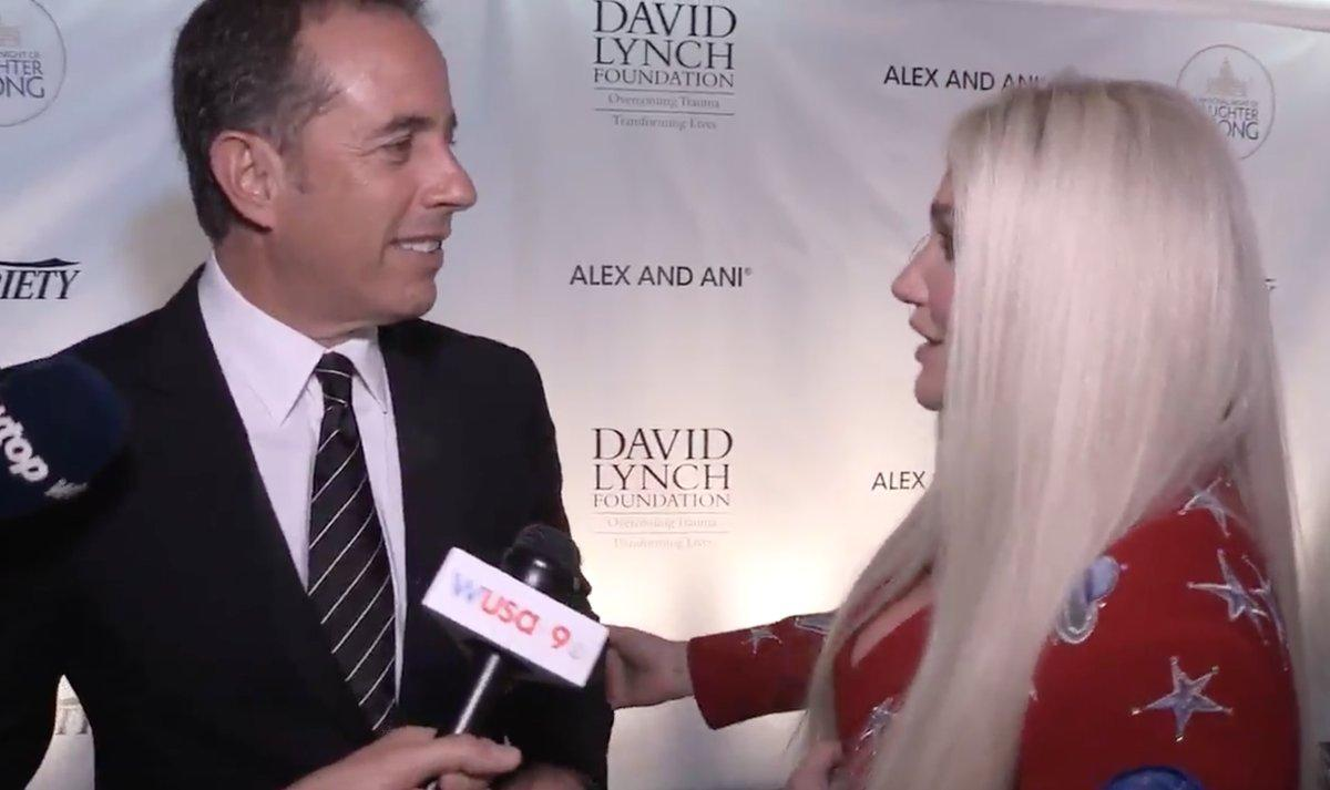 Jerry Seinfeld Awkwardly Denies A Hug From Kesha