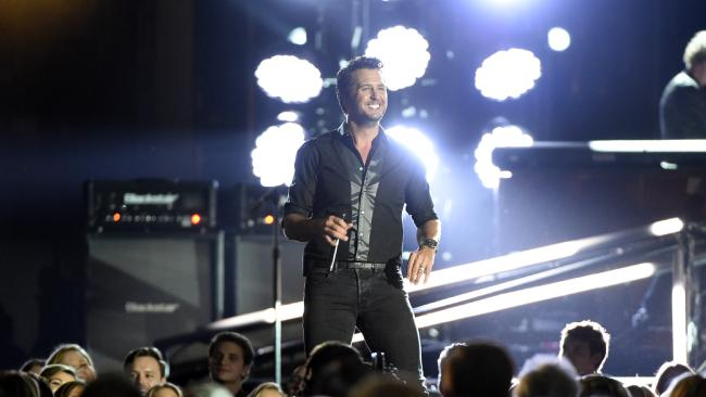 Here's Why Luke Bryan Punched a Fan in the Middle of His Concert