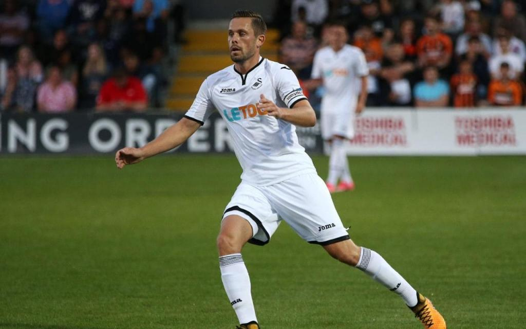 Everton back in for Gylfi Sigurdsson with second bid worth     45million