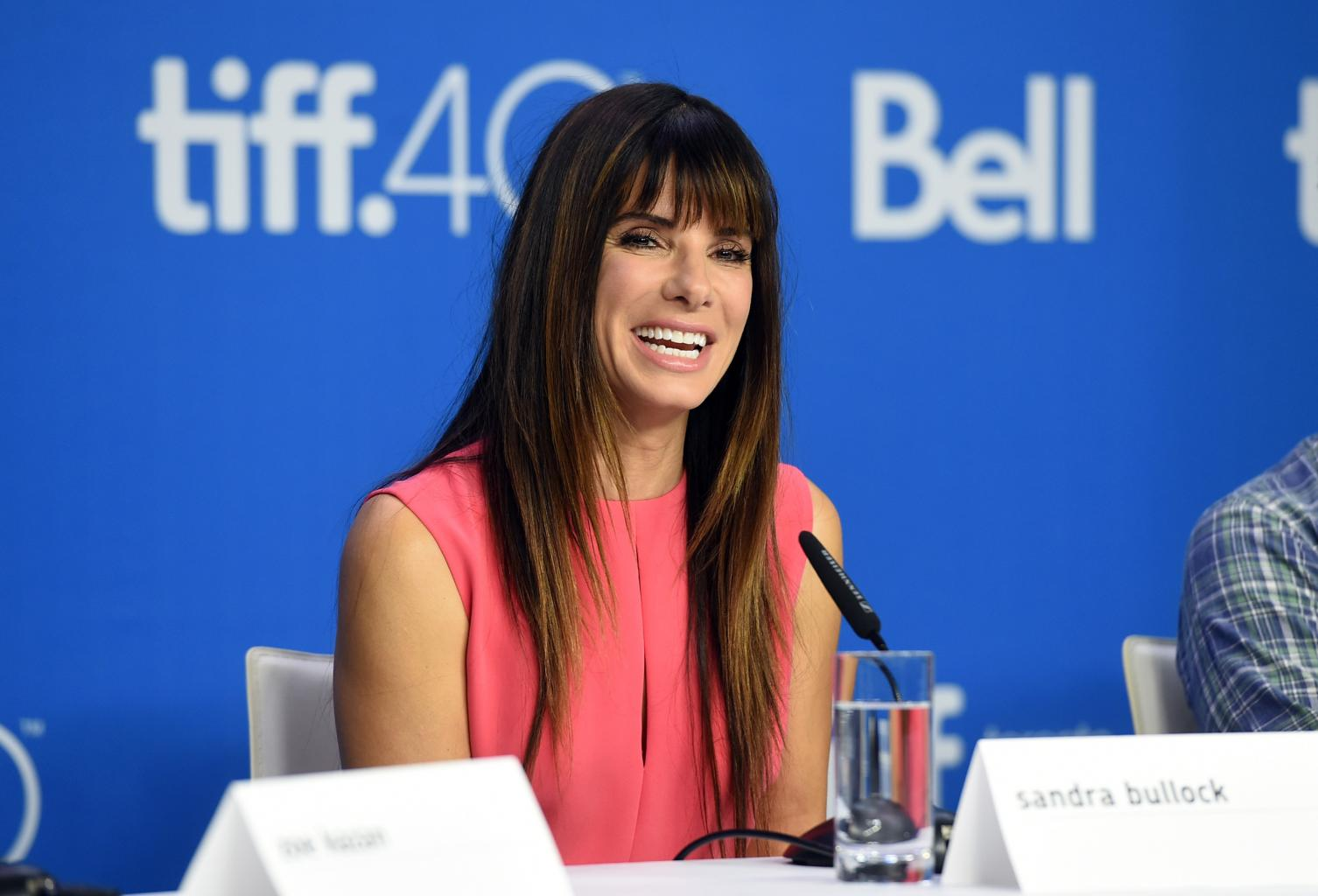 Sandra Bullock Contributes $5,000 To Former Beverly Hills Hotel Pool Manager       's Fund