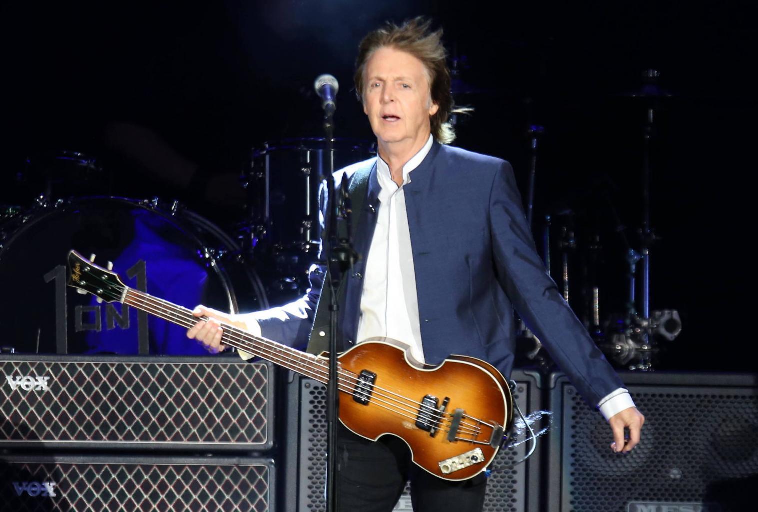 Paul McCartney Writes Heartfelt Tribute To Roger Moore:    He Was A Great Man