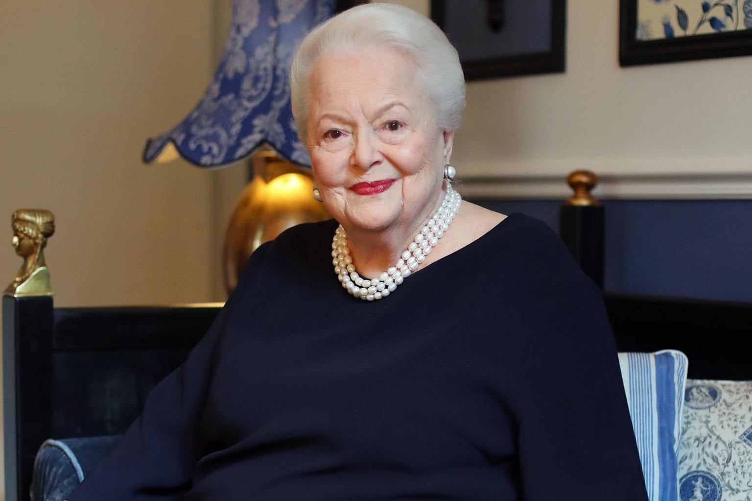 Olivia de Havilland on Becoming the Oldest Person to Be Named a Dame: I       'm        Extremely Proud