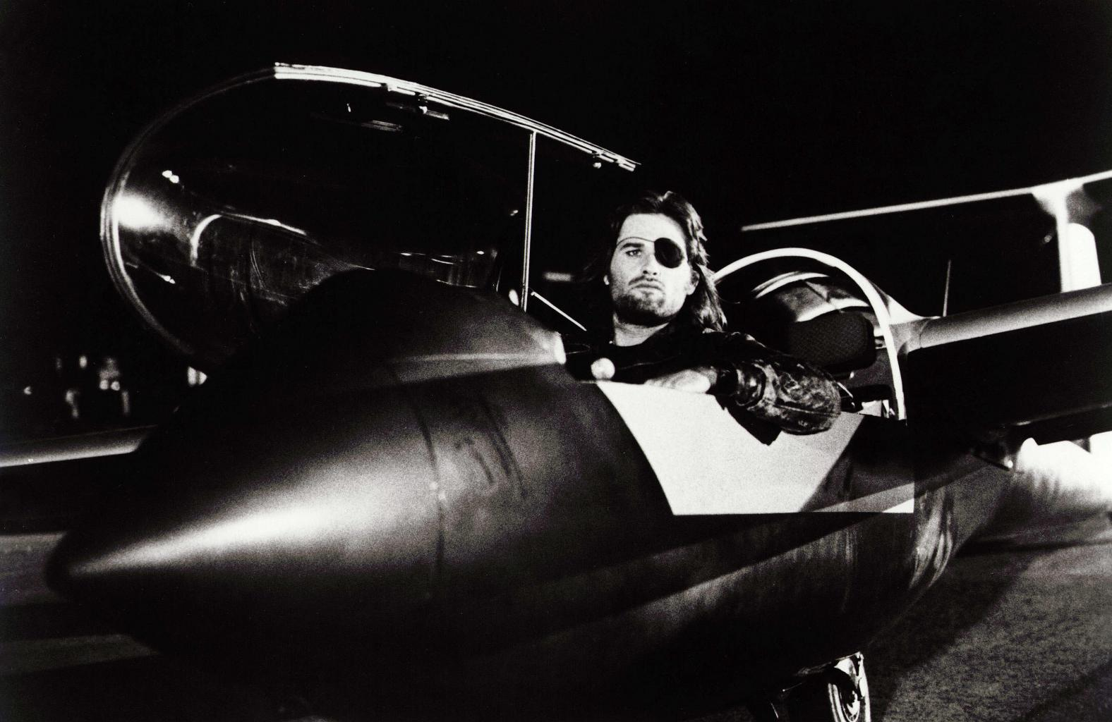 Kurt Russell Reveals He Was the Pilot Who Reported the Phoenix Lights UFO Sighting       '  Watch