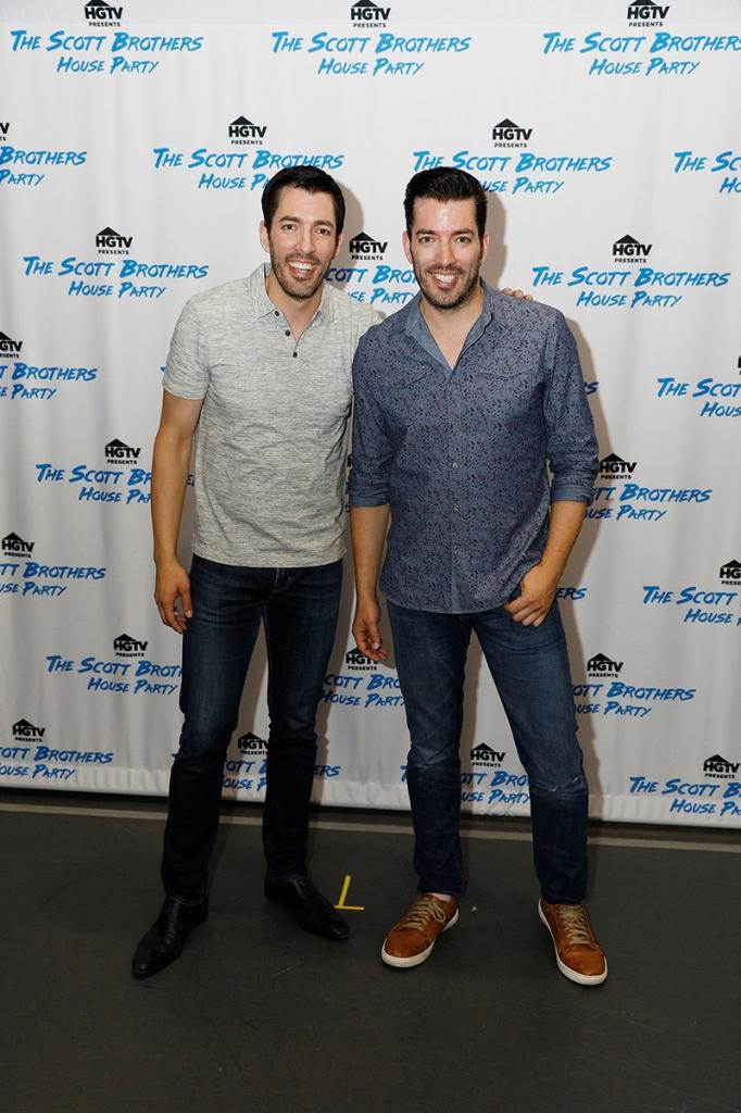 Drew and Jonathan Scott Weren       't Kidding About Their Interactive Book Tour:        It       's Going to Show Every Aspect of    Us