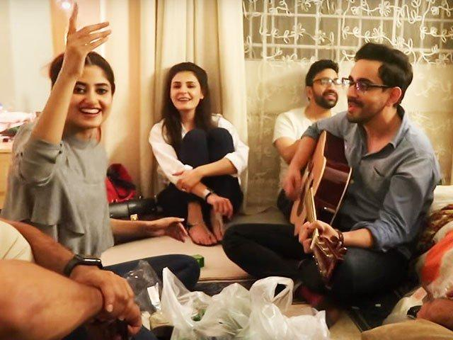 Bilal Khan and Sajal Aly jam to 'Channa Mereya' - The Express Tribune