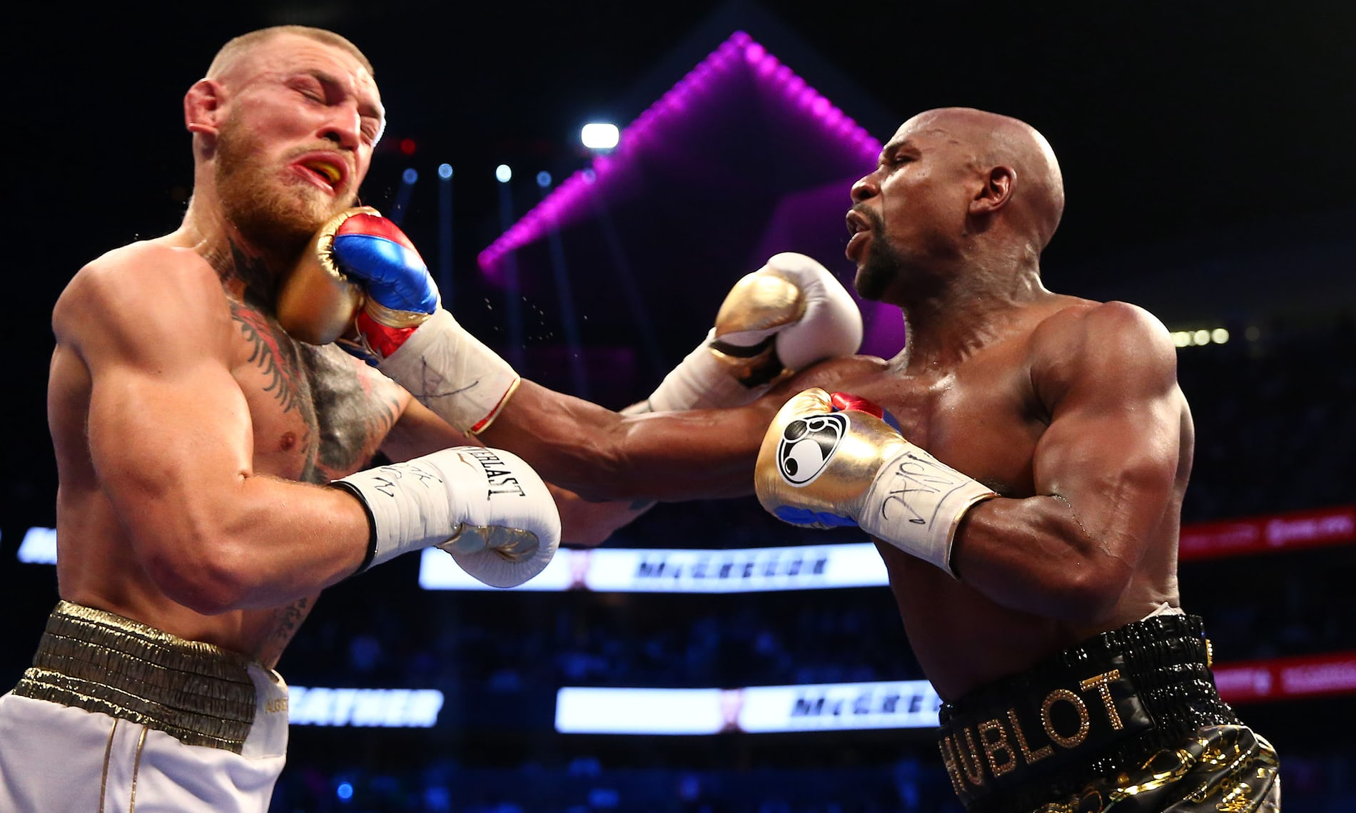 Floyd Mayweather beats Conor McGregor: how the fight unfolded       '  in pictures