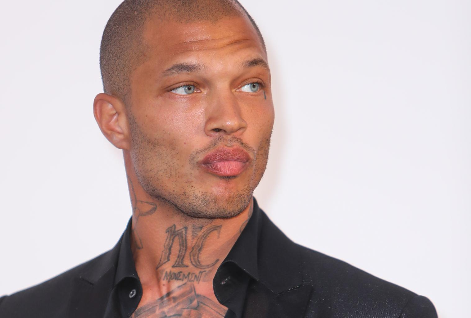 Hot Felon Jeremy Meeks Spotted Kissing Topshop Heiress In Turkey
