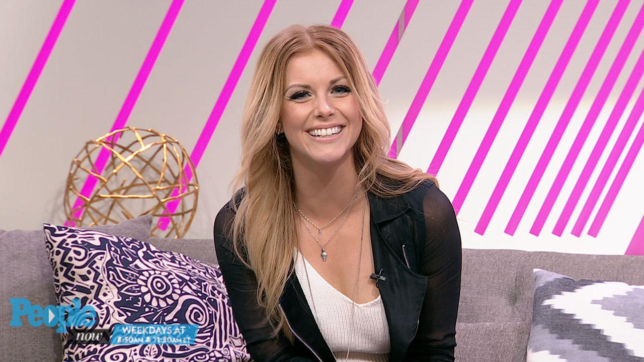 Watch: Country Singer Lindsay Ell Reveals How a Spray Tan Led to a Pretty Awkward Situation With a 3-Year-Old!
