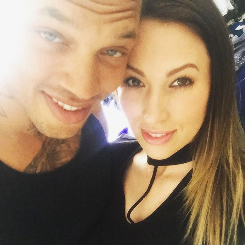 Hot Felon      '  Jeremy Meeks Files for Separation from Wife After Canoodling with Topshop Heiress:    Report