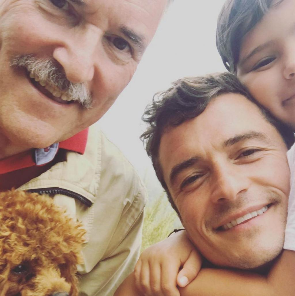 Orlando Bloom Shares Adorable '3 Generations' Selfie with Dad and Son Flynn