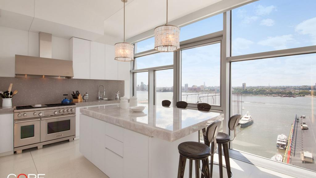 Kelsey Grammer finds a buyer for his $9M West Chelsea condo