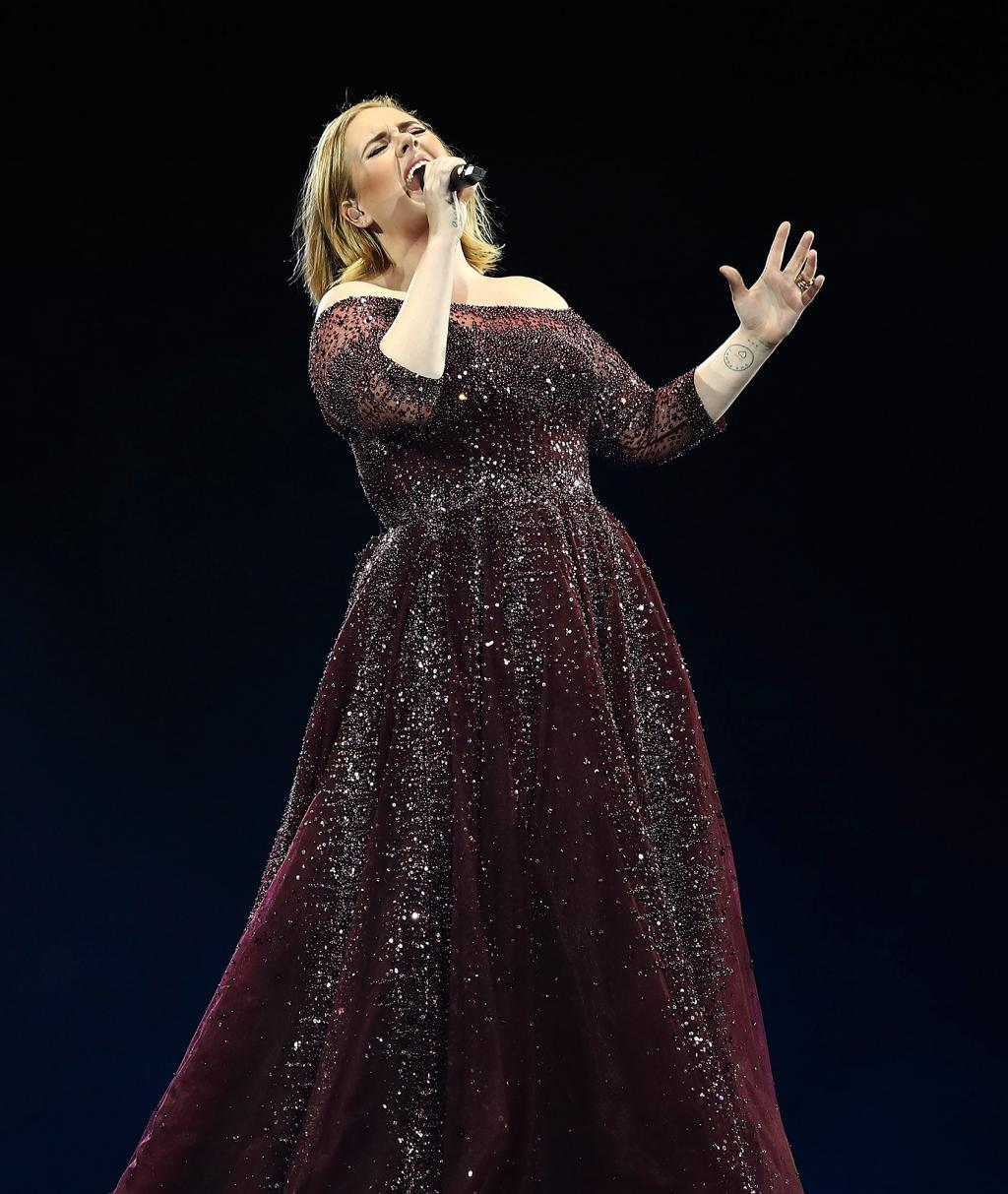 Adele Dedicates        Make You Feel My Love      '  to London Terror Attack Victims at Auckland Concert