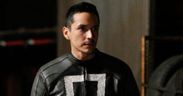 Agents of S.H.I.E.L.D. Cast Tackles All Your Burning Season 4 Premiere Questions