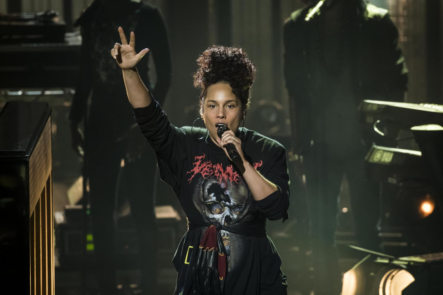 Alicia Keys Blasts Disney       's        Snow White       ':        Totally Sexist, Misogynistic       '  She       's Cleaning For Seven Dwarfs