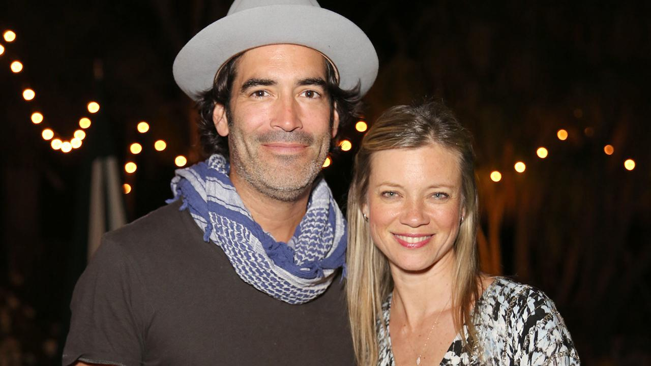 Amy Smart and Husband    Carter Oosterhouse Welcome First Child