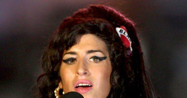 Amy Winehouse, Nick Jonas & More Performers Who Have Never Won an MTV Video Music Award