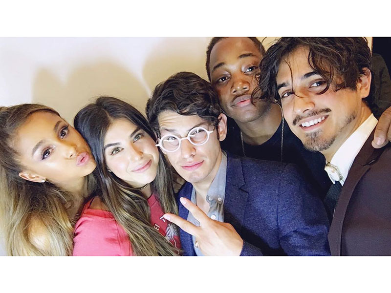Ariana Grande Reunites with Her Victorious Co-Stars
