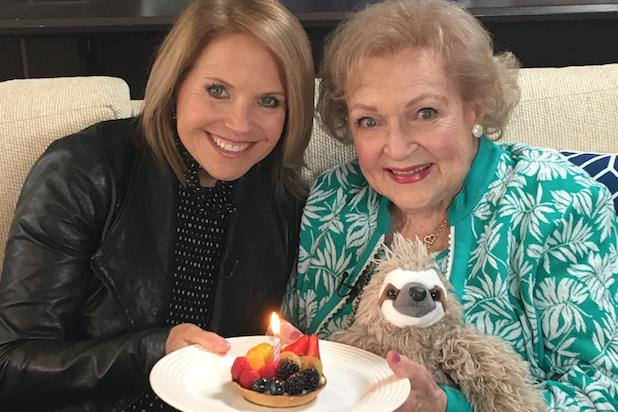 Betty White Is Down for a    Golden Girls '  Reboot as She Turns 95