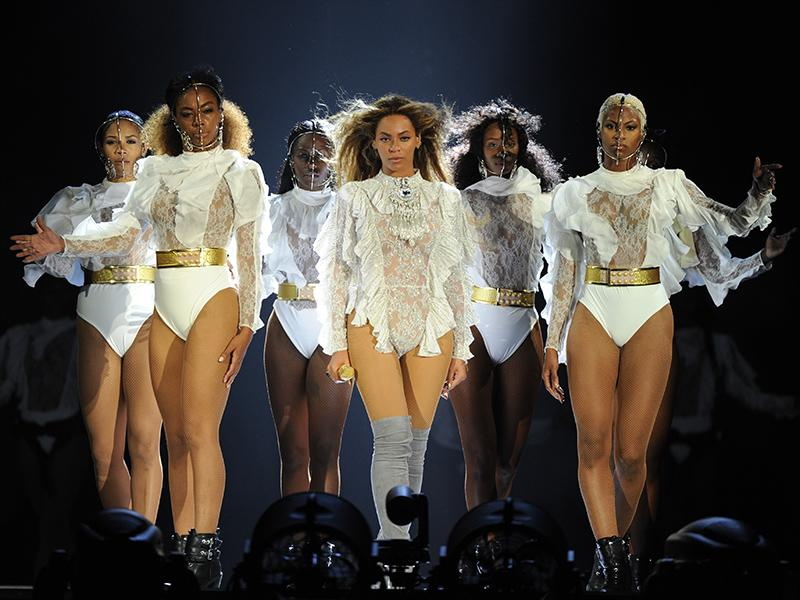 Beyonc  Thanks 'My Beautiful Husband' Jay Z as She Launches Her Formation World Tour in Miami