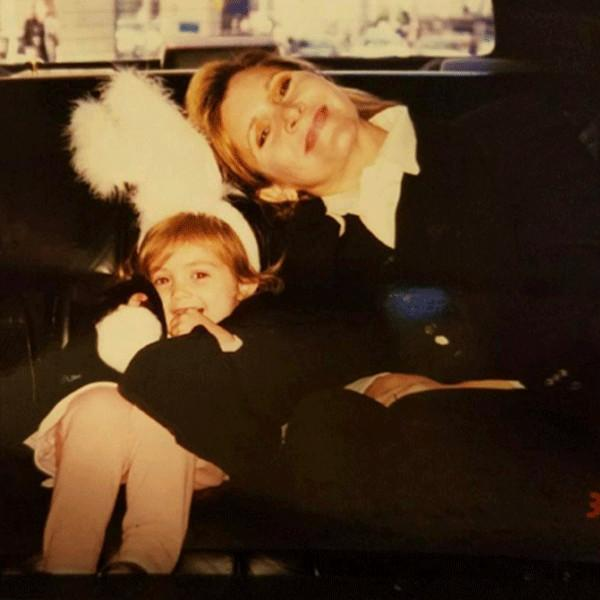 Billie Lourd Pays Tribute to Late Mother Carrie Fisher With Touching Throwback Photo