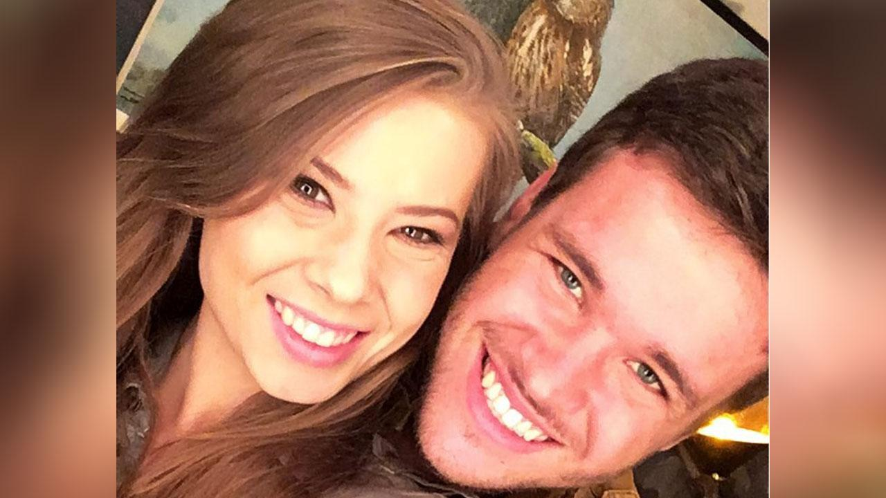 Bindi Irwin & Boyfriend Chandler Powell Cheer On Her Brother Robert During His 'Tonight Show' Appearance