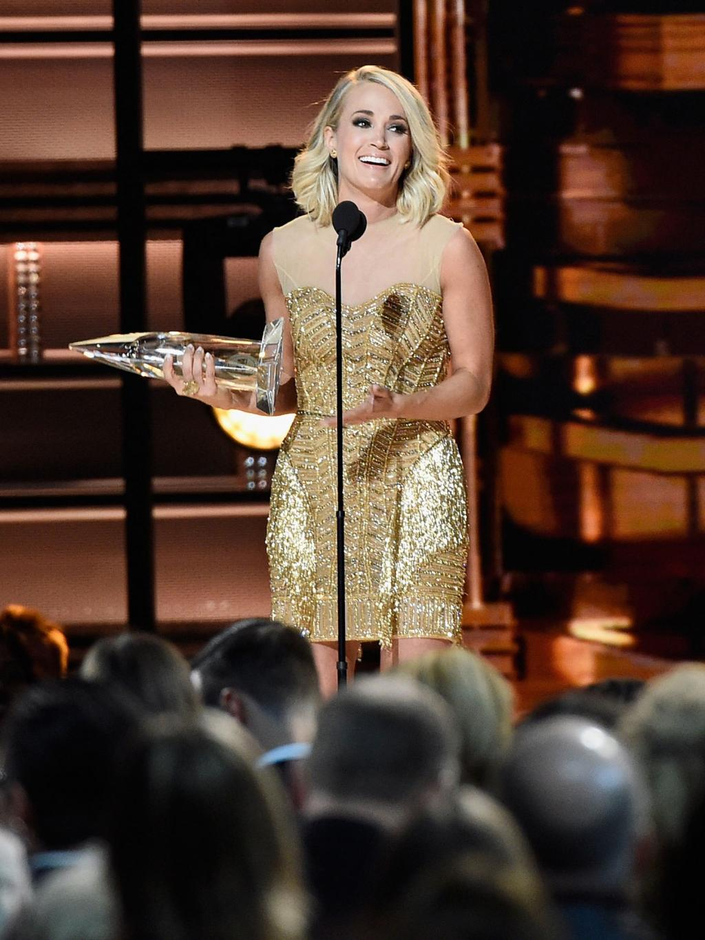 Carrie Underwood Nabs Female Vocalist of the Year at the CMAs: 'I've Just Become Suddenly Stupid'