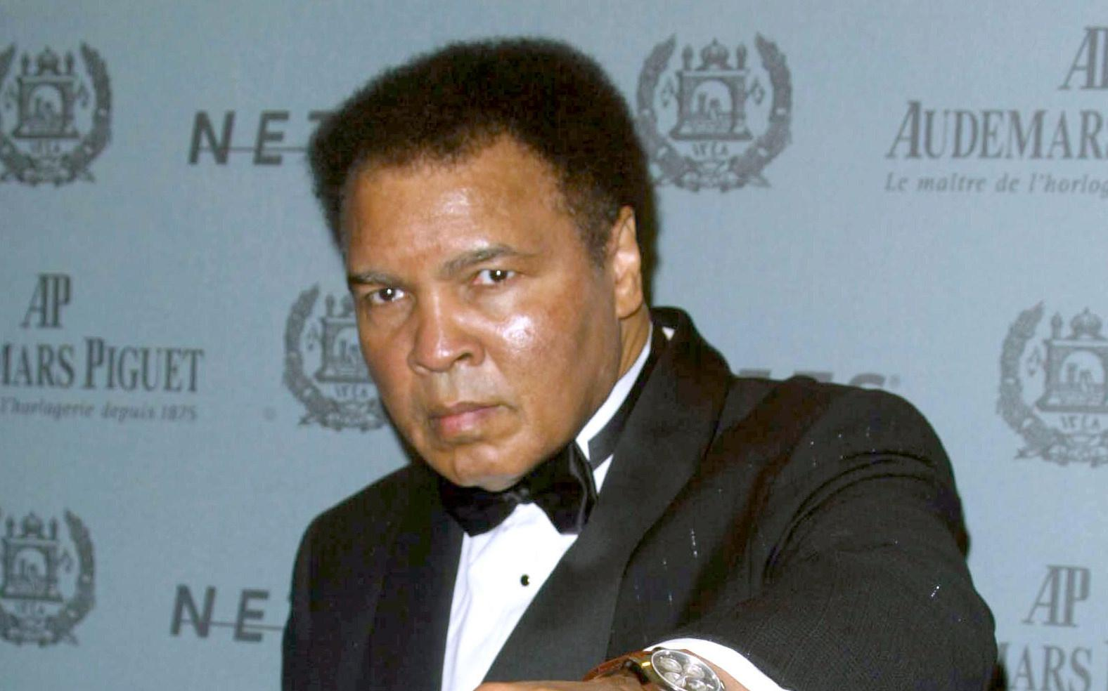 Celebrities, Athletes Pay Tribute to    The Greatest of All Time '  Muhammad Ali