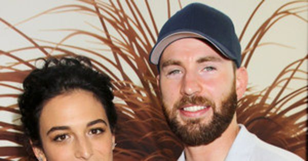 Chris Evans & Jenny Slate Make Red Carpet Debut as a Couple and Show Pda in Cute Photos