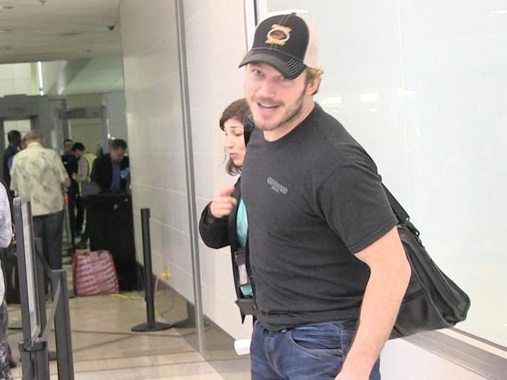 Chris Pratt -- I Ruined Aaron Rodgers' Steak ... My Bad. (Video)