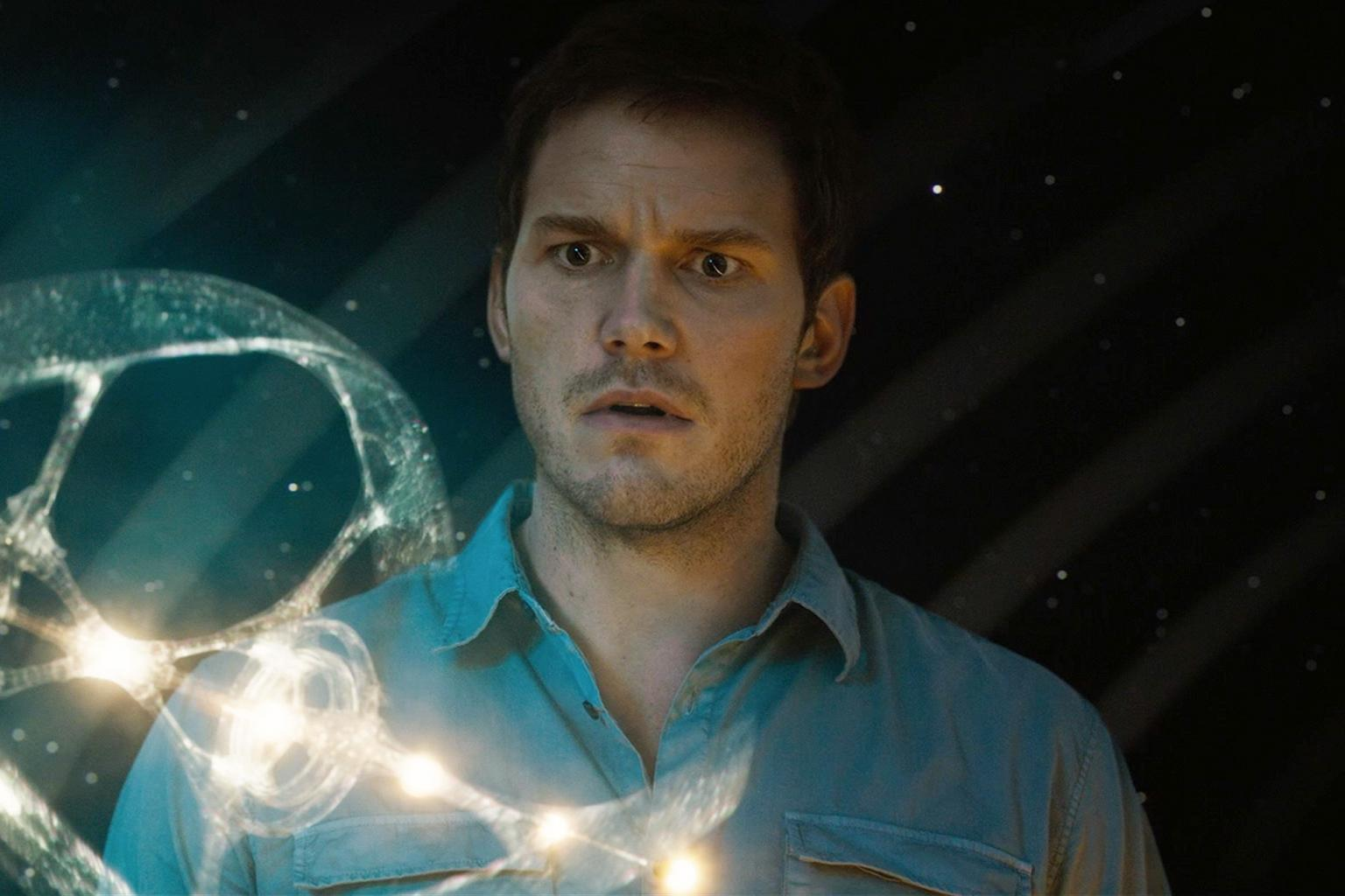 Chris Pratt Learns His Daunting Fate in New Passengers Clip:    I  'm the Only One Awake