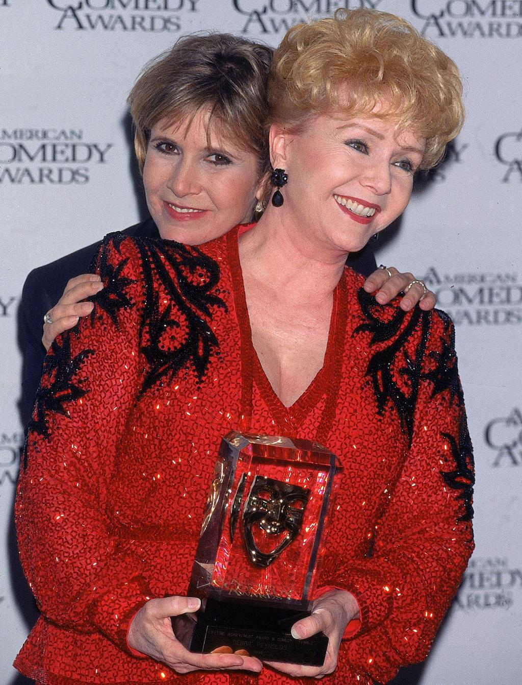 Debbie Reynolds '  Last Words:   'I Want to Be with Carrie, '  Son Says