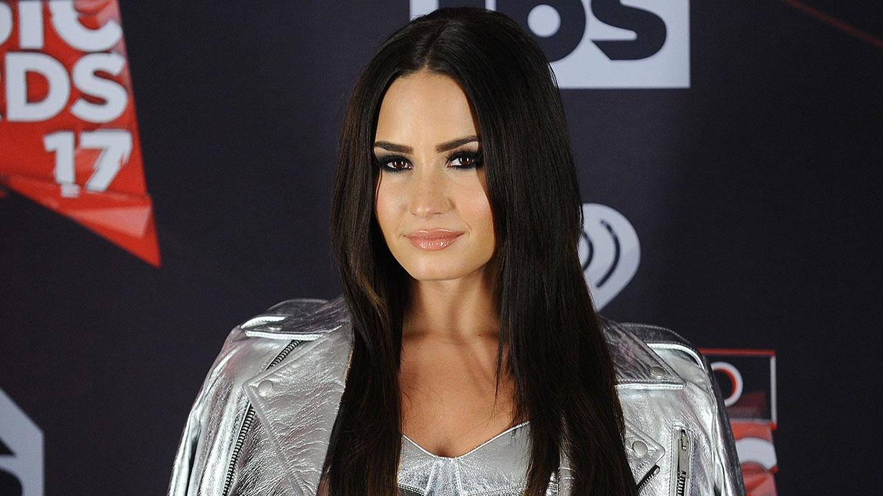 Demi Lovato Slays in Silver, Shows Off Her Bare Legs on Snapchat:        Thick Thighs Save Lives