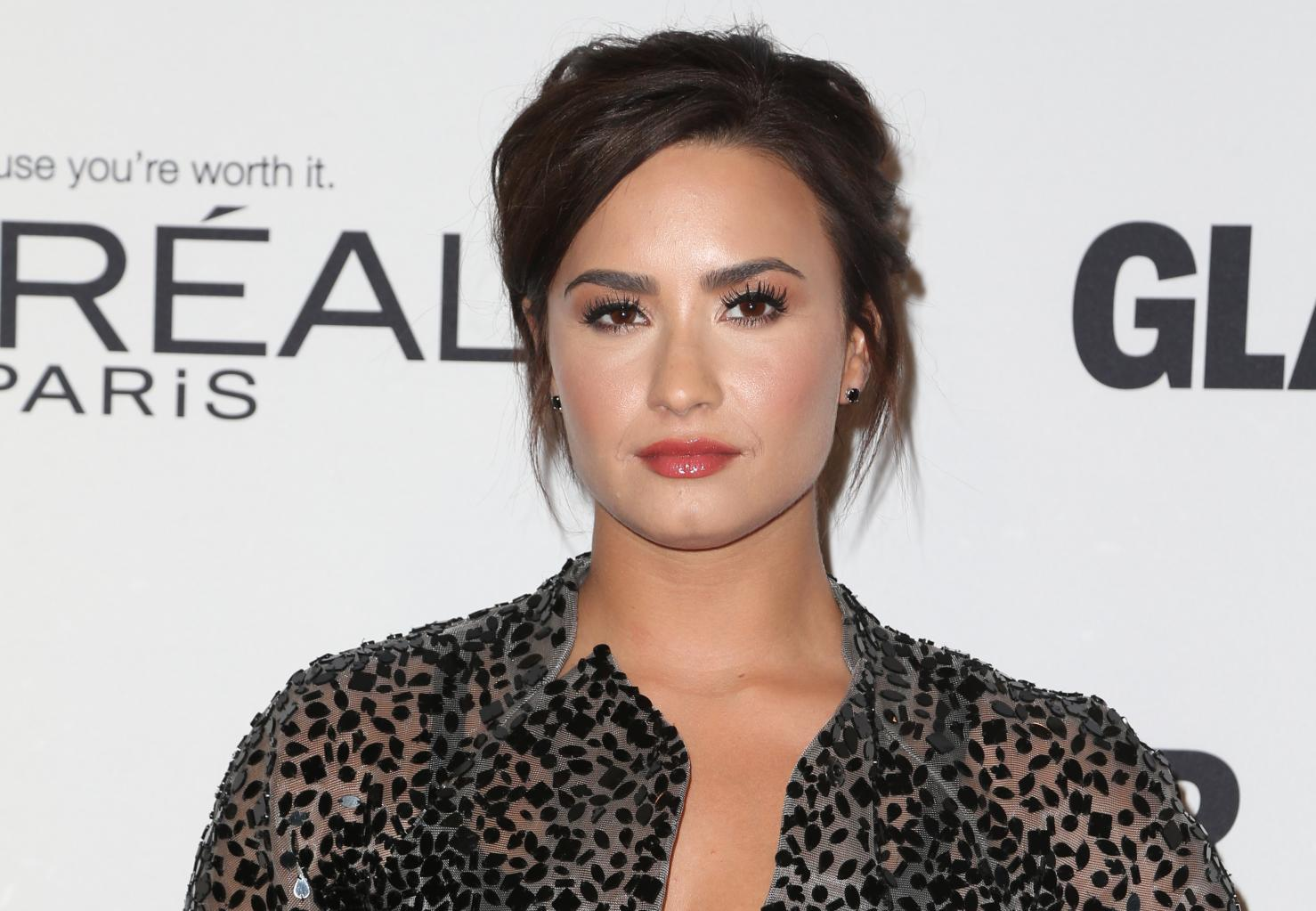 Demi Lovato Opens Up To People About Her Bipolar Disorder:        I       'm Living Proof Of Living Well