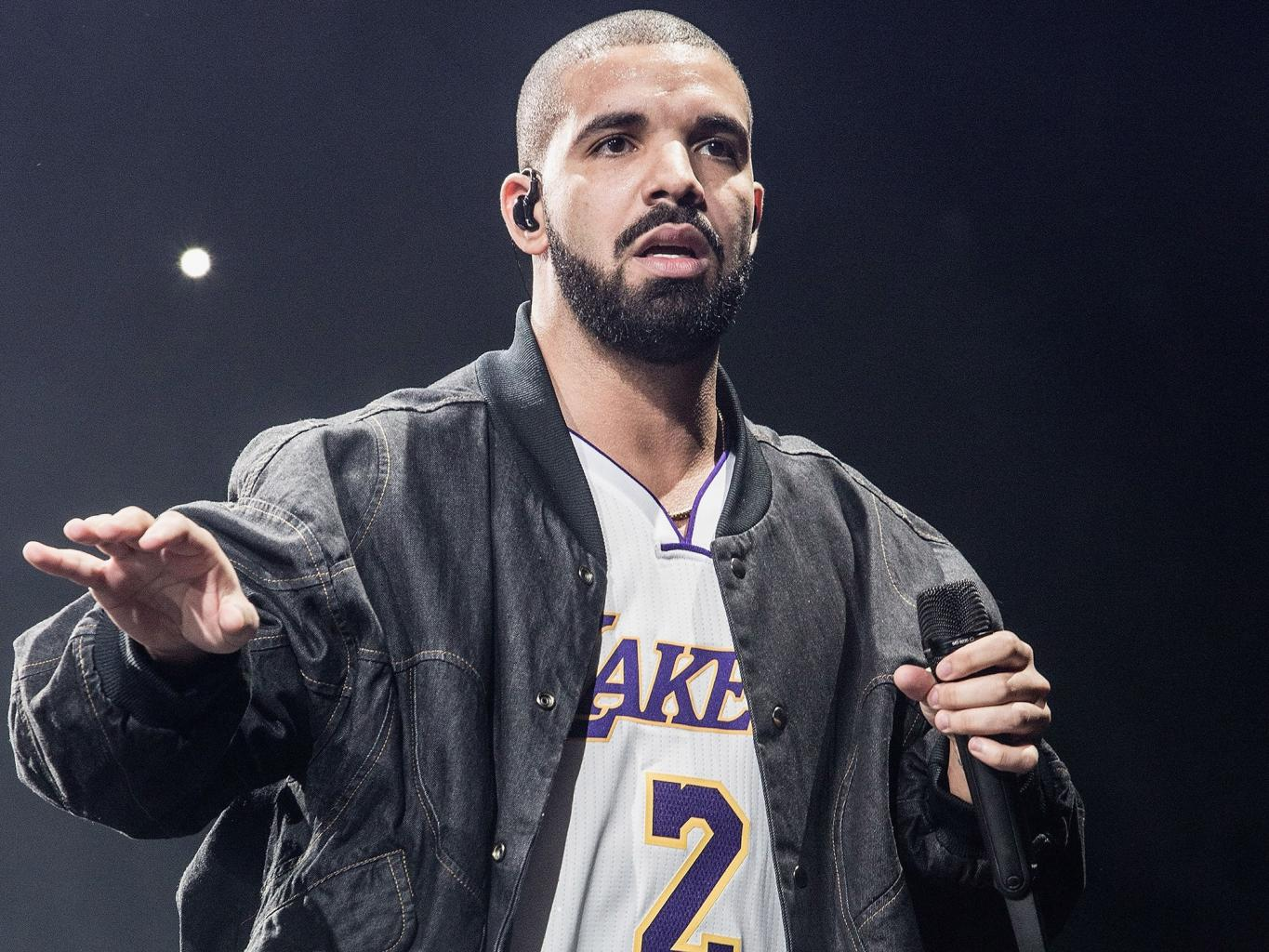 Drake Responds to Rumors He Asked a Fan to Remove Her Hijab: 'I Am Being Utilized in a Fake Media Story'